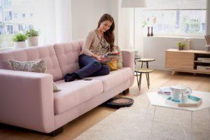 Aspirateur robot philips passe sous les meubles